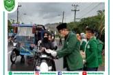 Tangkal COVID-19, Mahasiswa STIE Al-Washliyah Sibolga Bagikan Hand Sanitizer